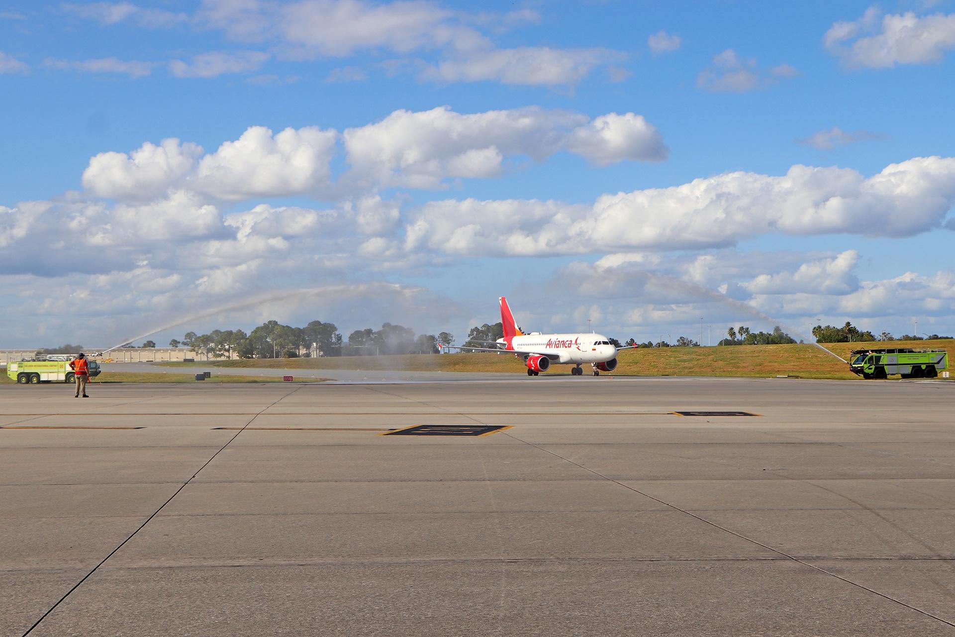 Warer salute for Avianca flight from Bogota